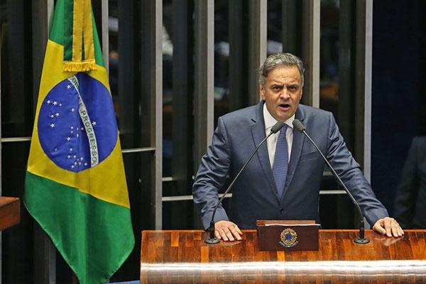 Aécio Neves alega que pretende garantir igualdade na disputa
