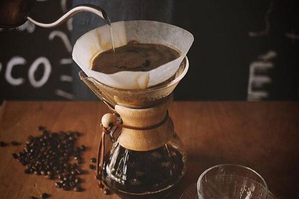 Teoria e prática sobre os cafés, com direito a degustações