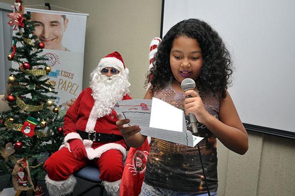 Campanha 'Papai Noel dos Correios' foi lançada ontem para realizar o sonho de crianças carentes