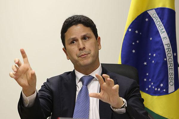 Bruno Araújo pediu demissão do cargo de Ministro das Cidades antes de participar de uma cerimônia