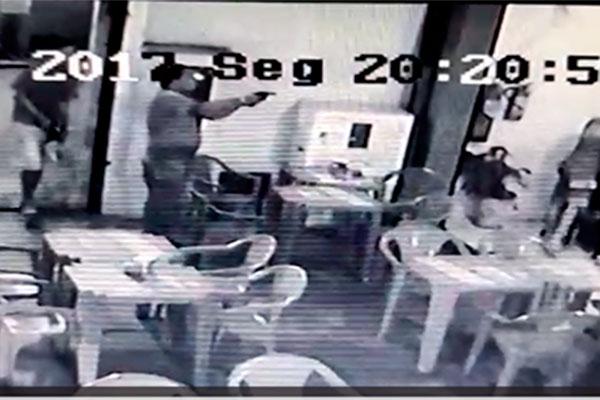 Zumbi Bar é alvo de assaltantes