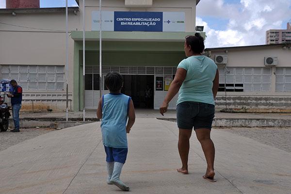 Sem conhecimento da paralisação, Ângela Maria, que mora em Arez, procurava atendimento ontem para o filho Gabriel, de 4 anos