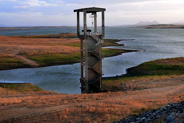 Barragem Armando Ribeiro Gonçalves possui pouco mais de 321 milhões de m³ em suas reservas, apenas 13,4% de sua capacidade