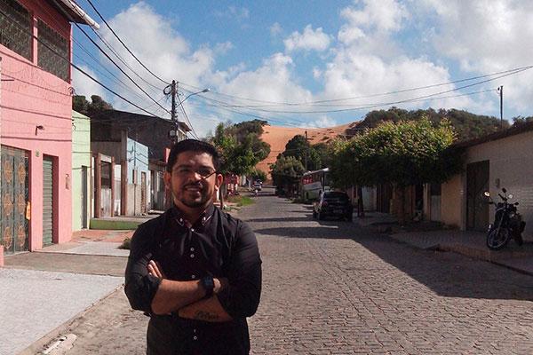 Na foto, o pesquisador e escritor, Thiago Gonzaga