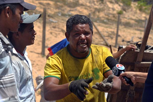Clodoaldo do Nascimento, 44 anos, foi um dos catadores retirados ontem da estação de transbordo