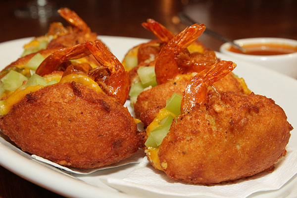 Mini -acarajés fazem a alegria dos fãs desta cozinhatão peculiar