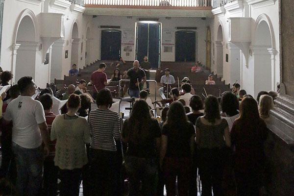 Orquestra Sinfônica da UFRN e Madrigal executam uma das peças-símbolo do Movimento Armorial