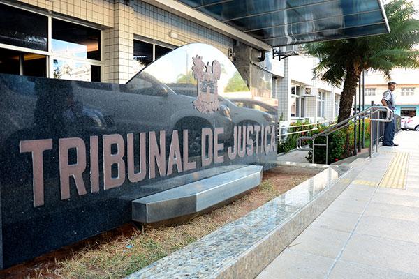 Por mês, o gasto do Tribunal com os auxílios alimentação, saúde e moradia chega a R$ 1,5 milhão