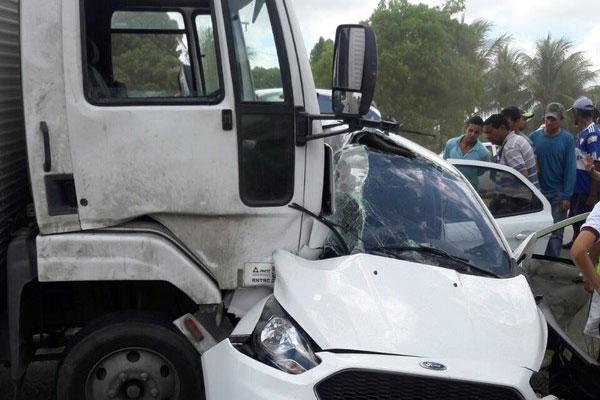 Acidente na Reta Tabajara deixa pelo menos um morto e um ferido