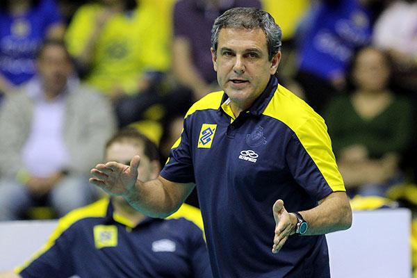 Zé Roberto Guimarães segue no comando da equipe brasileira