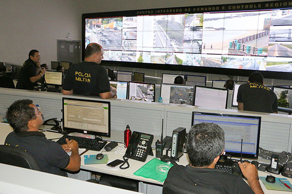 O Centro de Operações é responsável por acionar as forças de segurança para atender as ocorrências relatadas por telefone