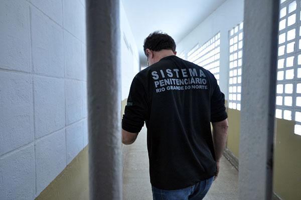 Agentes penitenciários cobram o envio à AL do projeto que prevê a implantação dos níveis de carreira