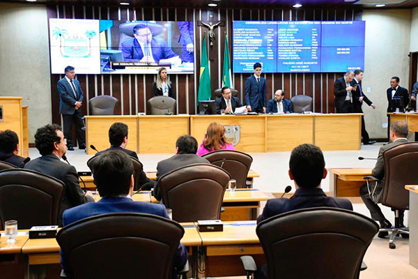 Deputados estaduais votam as emendas ao orçamento e pautam o projeto de ajuste fiscal