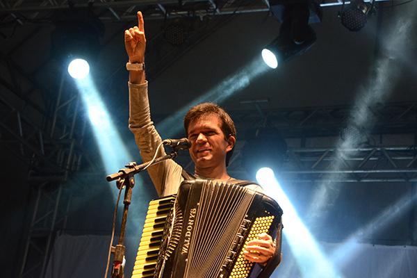 Waldonys será acompanhado pelo forró Bando das Brenhas na abertura do festival