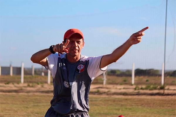 No comando do Santa Cruz de Natal, treinador quer mostrar que pode ser destaque na competição mais uma vez