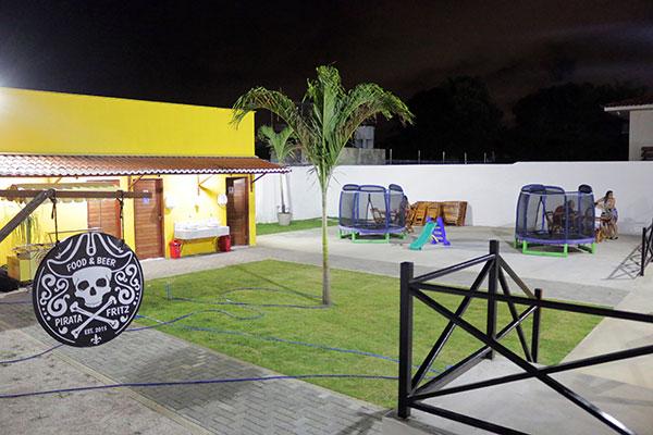 Ao lado dos nove conteiners, Vila Mariana possui um amplo espaço para crianças