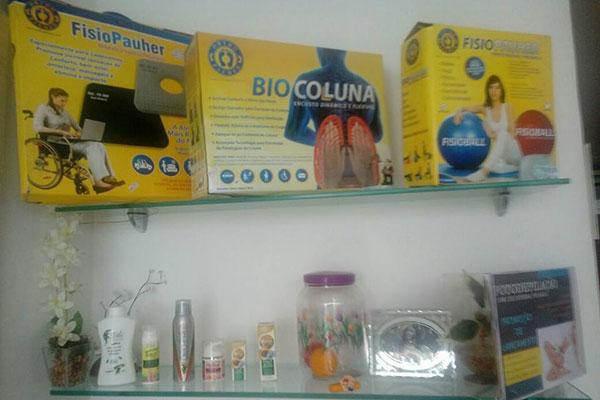 A clínica oferece serviços de tratamento de nutrição, hidratação facial e corporal, microagulhamento, depilação, tratamento de estria, entre outros