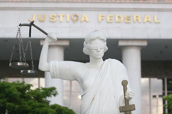 A Justiça Federal considerou que o remanejamento viola o artigo 167, da Constituição Federal