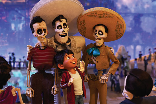 Viva - A Vida é uma Festa fala de amor e tradições culturais e resgata personagens folclóricos como um famoso cantor mexicano