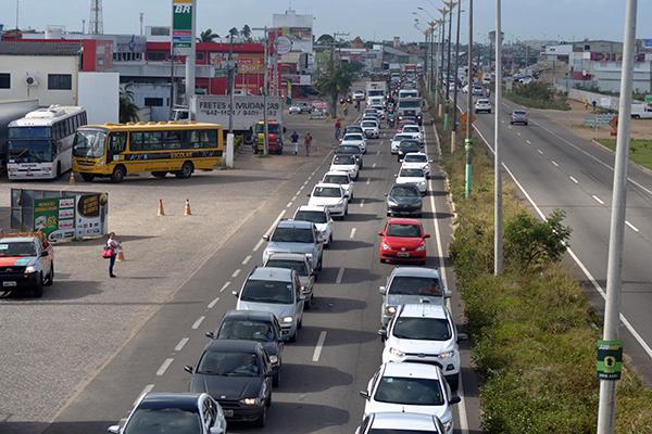 Após 13 anos sem reajuste, o licenciamento de veículos no RN passa, a partir de 30/03, a ser 50% mais caro do que o valor de 2017