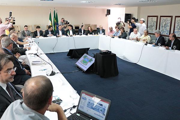 Robinson Faria apresenta aos deputados os projetos que integram o pacote de ajuste fiscal