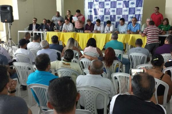 Acordo entre as associações e Governo foi lido durante assembleia