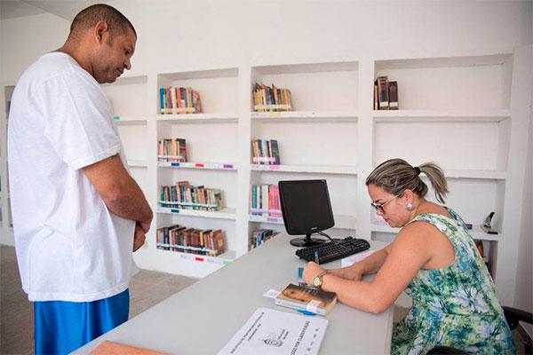 Mais de 1400 exemplares doados foram selecionados por bibliotecários da UFRN para montar acervo