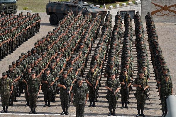 Maior parte das tropas voltou aos estados de origem. Contingente de prontidão é formado por militares que servem em quartéis locais