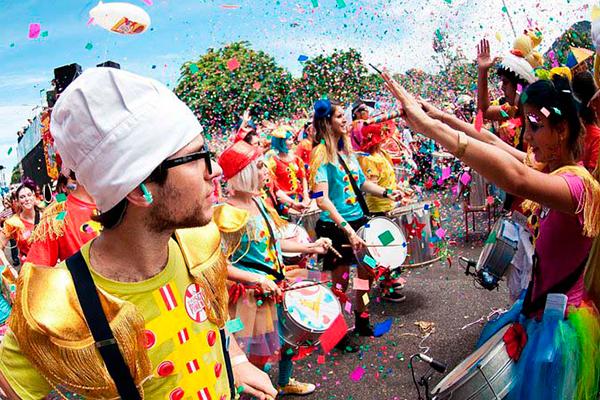Banda Sargento Pimenta tocará no baile do Grandes Carnavais