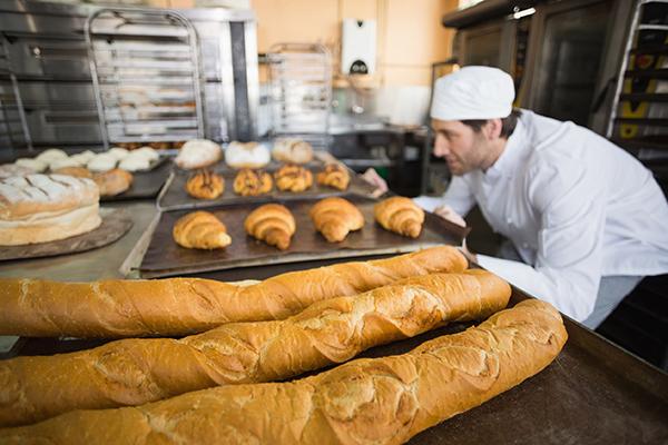 Investimento em novos cursos visa melhorar o mercado de pães de alta qualidade. O know-how alemão é fruto de parcerias