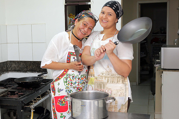 Cássia Sironi e sobrinha Girlene Lucena renovam a Nonna