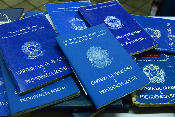 Desemprego atinge 12,3 milhões de brasileiros