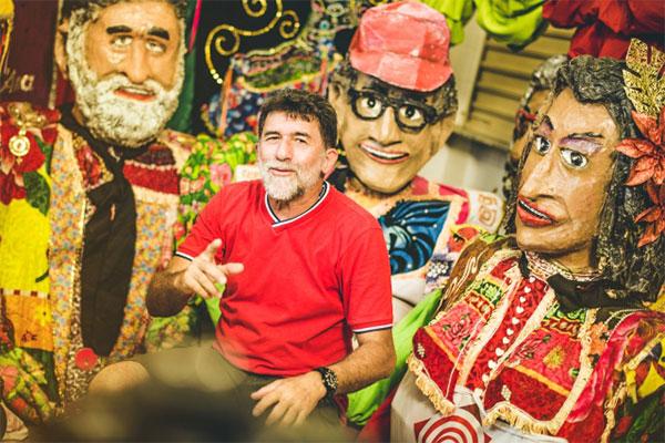 Ronaldo Batista, o Magão, carnavalesco e artesão