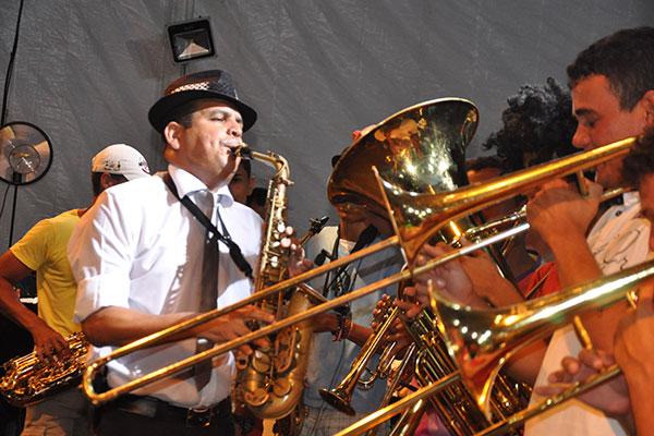 Maestro Spok encerra com muito frevo o sábado em Ponta Negra