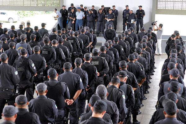 Policiais militares se apresentaram na manhã de ontem no Comando Geral para atuação em todo o Estado, em escalas ordinárias e extraordinárias durante o carnaval