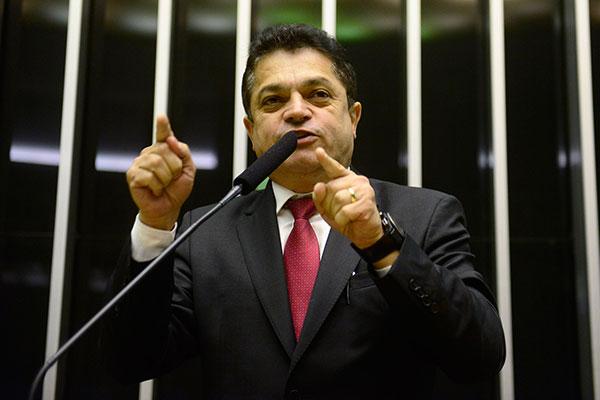 João Rodrigues tenta preservar o exercício do mandato