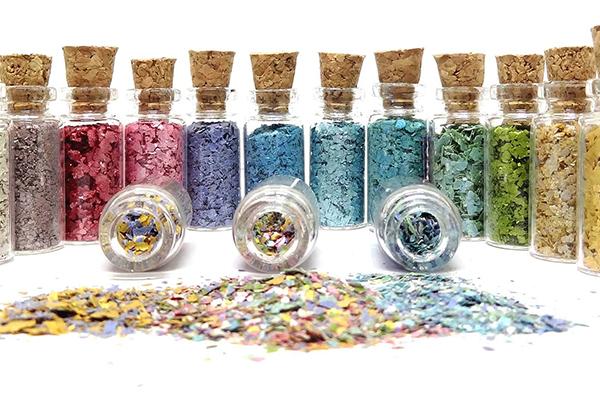 Todo ano, glitter é tradição e tem presença certa nos blocos carnavalescos