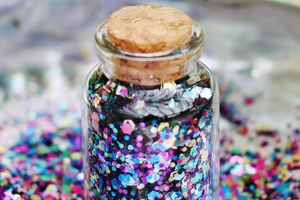Glitter biodegradável já é vendido neste carnaval