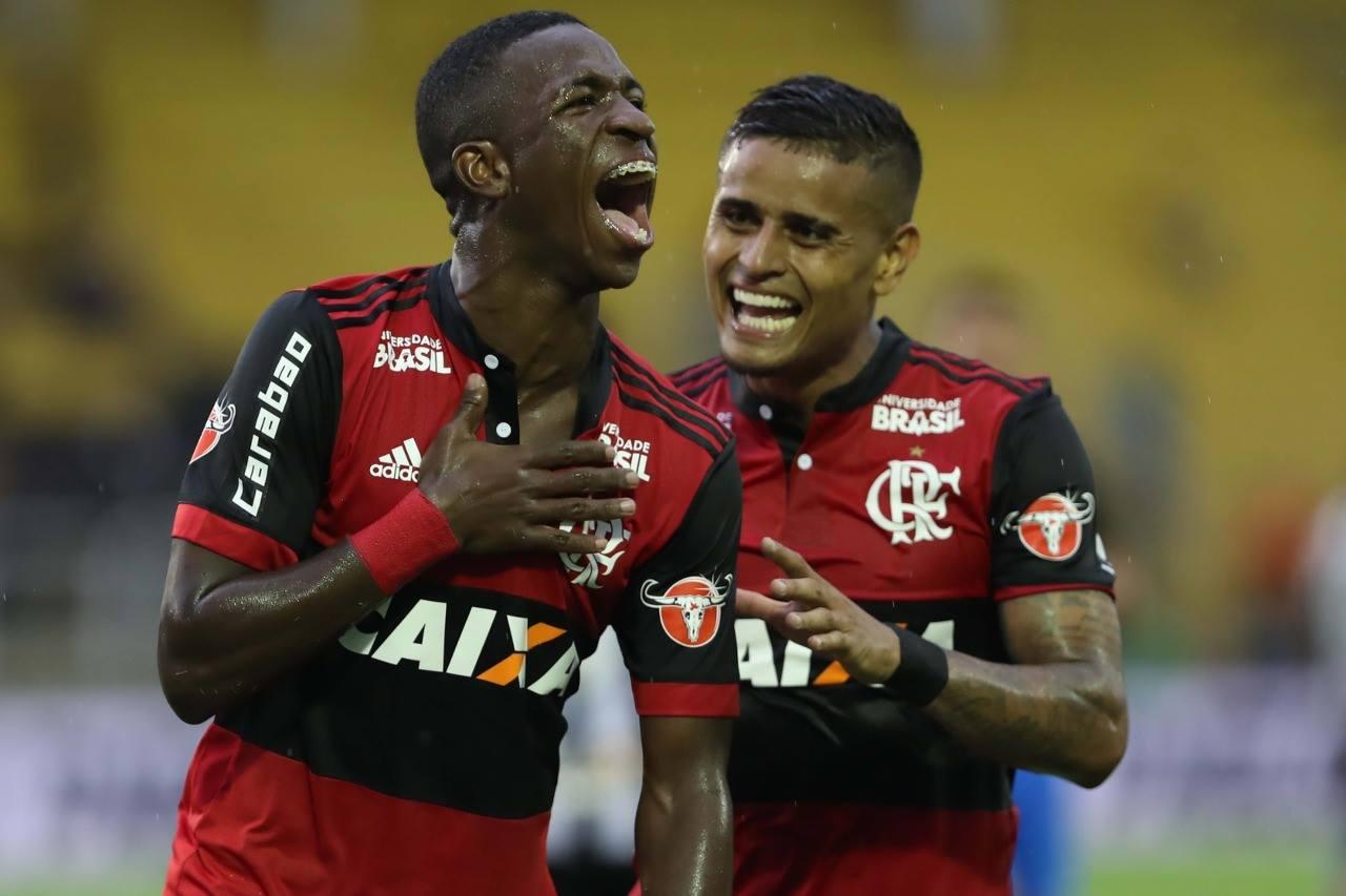 Vinícius Júnior fez um dos gols do Flamengo