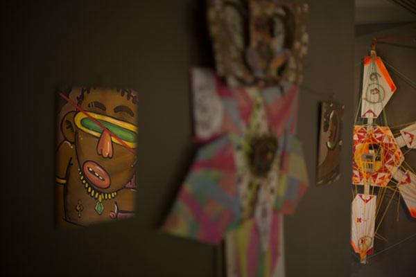 Artista visual Gigio Almeida apresenta obra que dialoga com movimento estético e político, conhecido por unir cultura negra a ficção científica