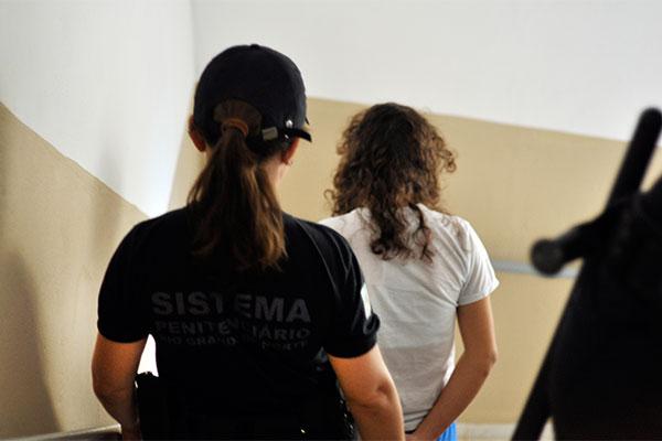 A mudança determinada pelo STF amplia os direitos das mulheres presas provisoriamente no Brasil