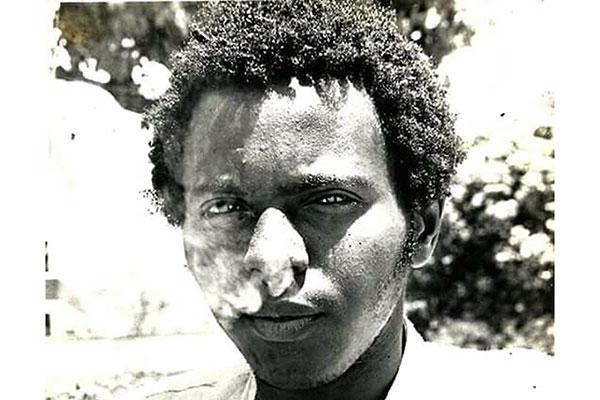 Poeta Blackout (1961-1999) é lembrado por nova geração