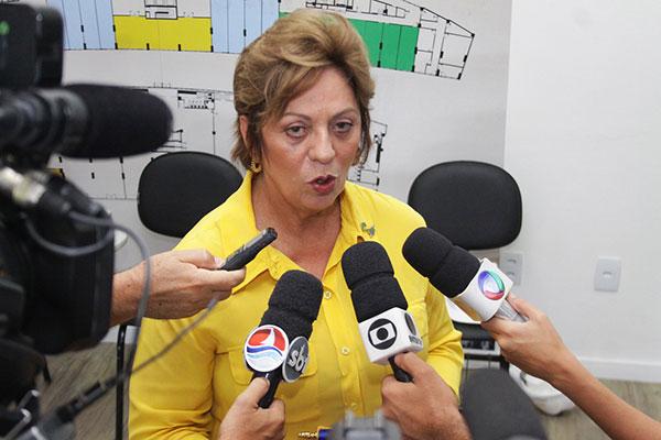 Rosalba Ciarlini apresenta a mensagem à Câmara Municipal