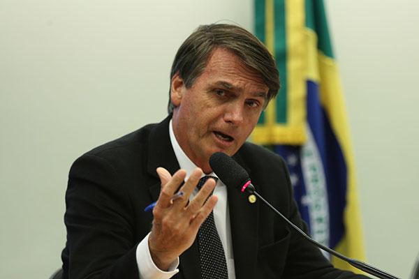 Pré-candidato do PSC, Jair Bolsonaro quer se manter na mídia