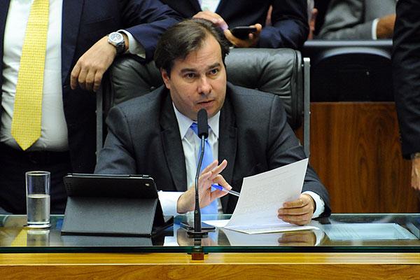 Rodrigo Maia (DEM/RJ) faz alerta para que seja construída uma candidatura de centro e viável