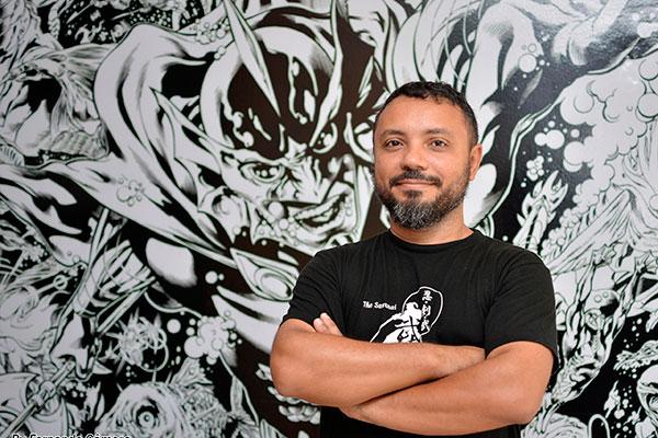Geraldo Borges desenha profissionalmente desde  1997, começando por Fortaleza até mudar-se para Natal em 2013, onde montou a escola estúdio