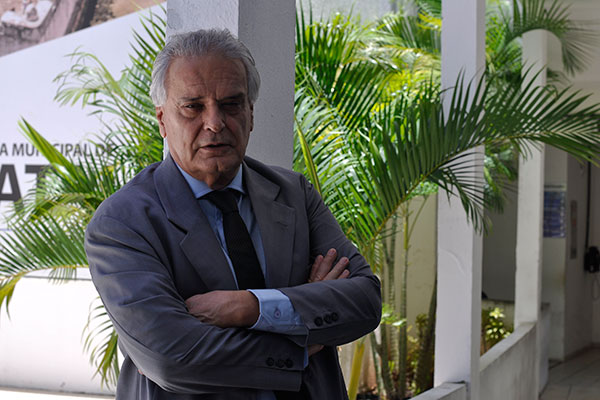 Antônio Melo diz usar a ficção para expor a realidade de todos os dias: é minha visão do que vi no jornalismo e marketing político