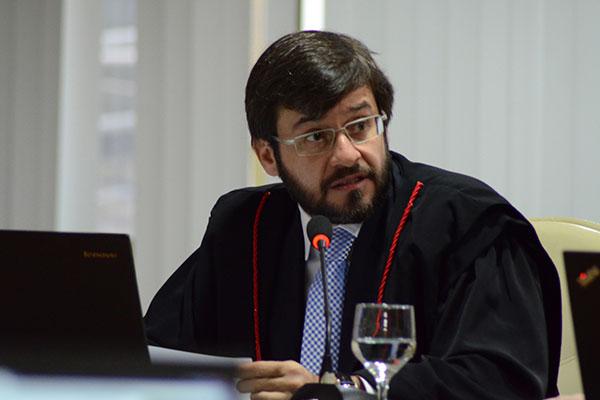 Voto do relator Carlos Thompson foi acolhido por unanimidade pelos conselheiros do TCE