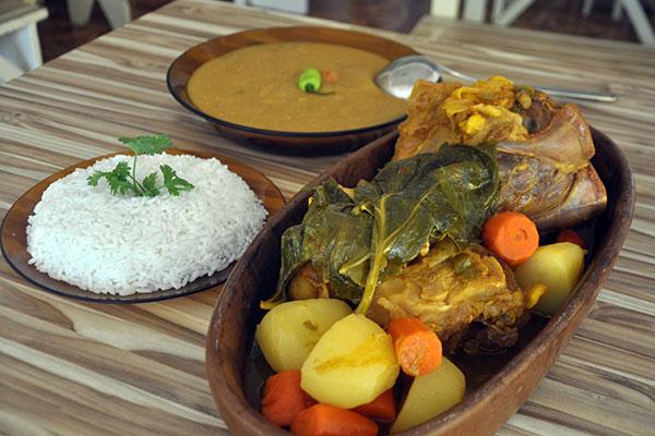 No Cobra Choca, a tradição é o cozido de chambaril