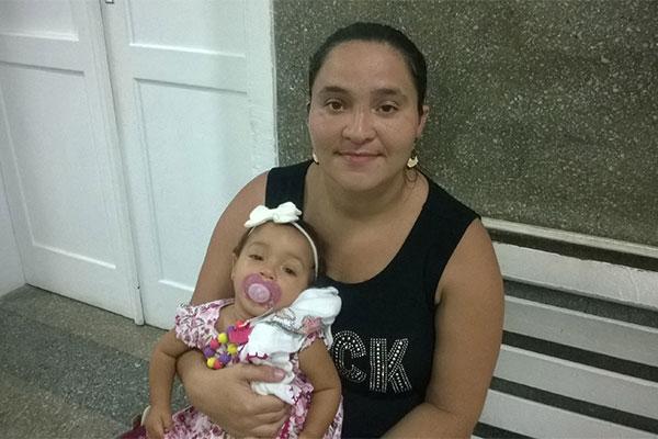 Katiússia é da primeira geração de mães. Após Lívia (in vitro) nasceu Laura, em processo natural